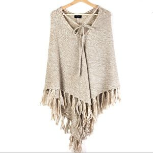 NASTY GAL Knitflix and Chill Poncho XS beige  o109